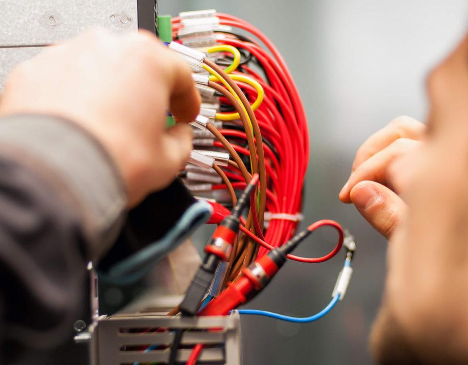 Travaux d'installation ou de rénovation électrique